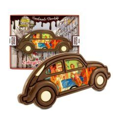 Klasyczny czekoladowy samochód na Dzień chłopaka
