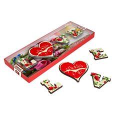 Życzenia walentynkowe na czekoladzie w kształcie LOVE