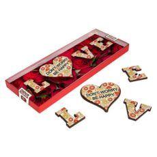 Motywujące literki z czekolady w kształcie LOVE